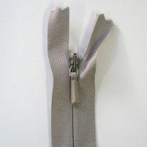 Reißverschluss nahtverdeckt 62cm - Grau