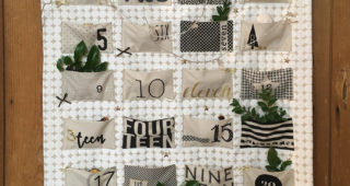 "Adventskalender mit MODA - Panel ""White Christmas Metallic"""